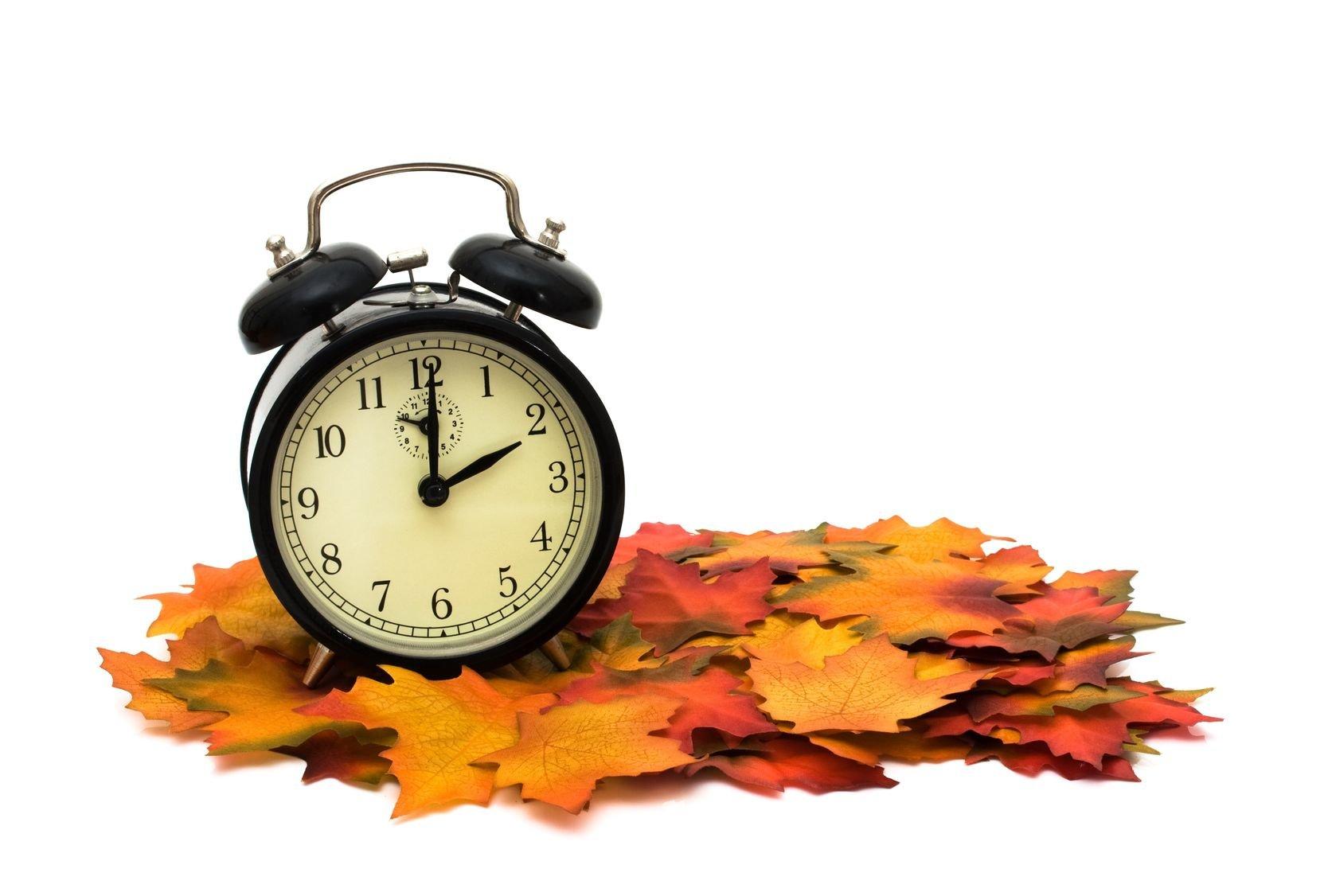 Una hora más de sueño… concluye el domingo el Horario de Verano